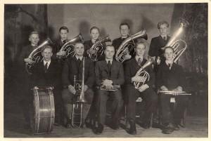 Nuorisoseuran soittokunta vuonna 1948. Kuva: Aarne Harjukarin albumista